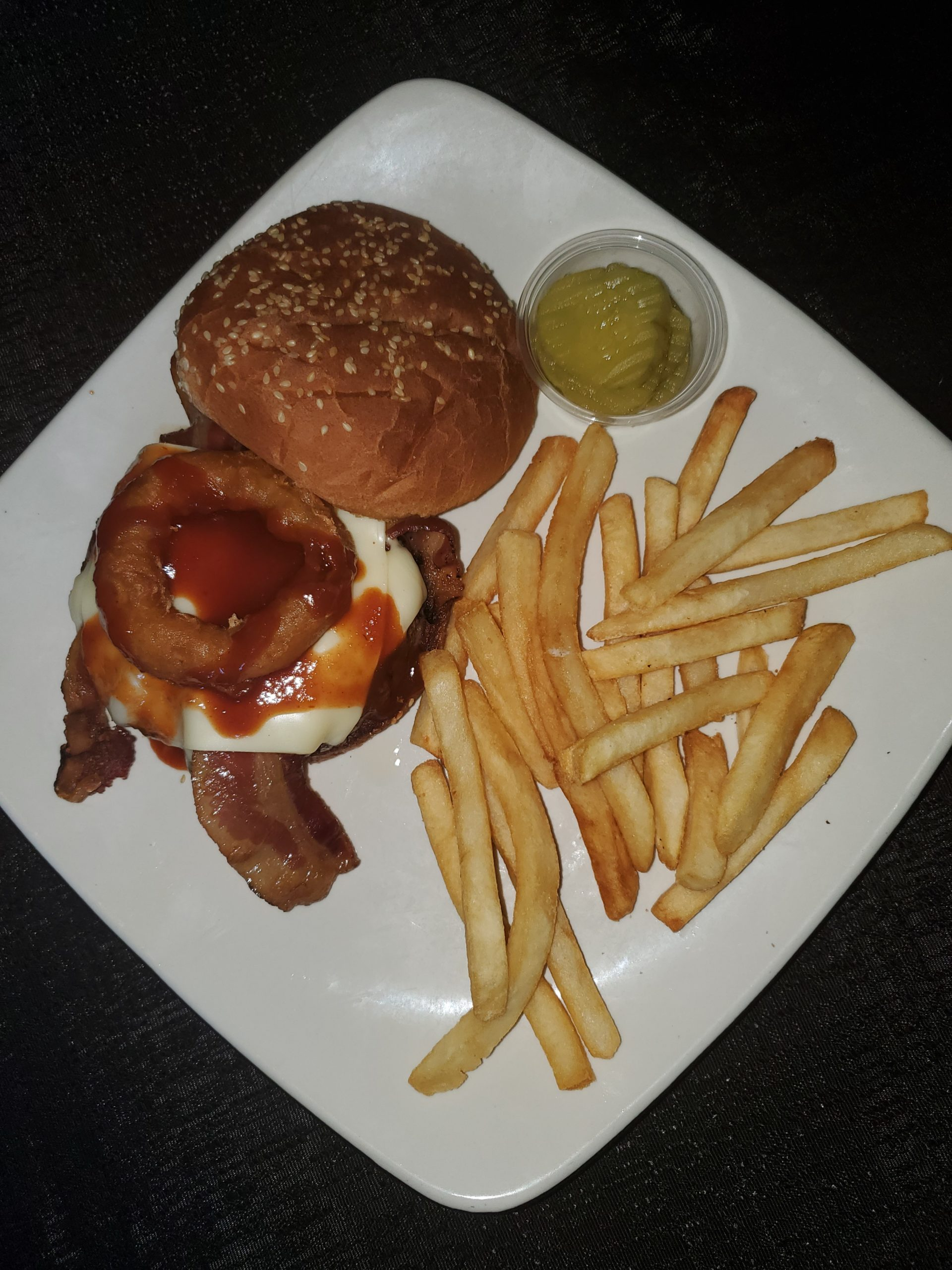 The Plate Bar & Grill